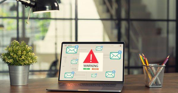 9 claves para evitar estafas por correo electrónico si teletrabajas