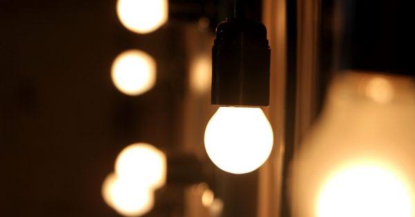 6 mitos (falsos) sobre la electricidad