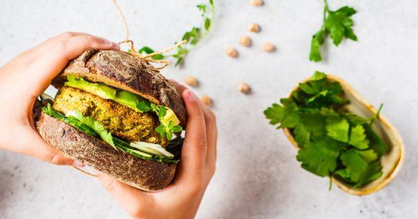 11 canales de YouTube de recetas veganas en español