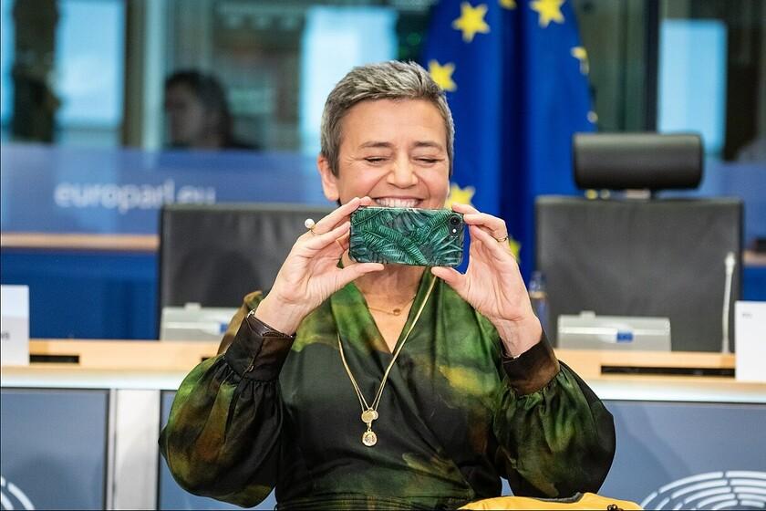 la-comision-europea-inicia-una-investigacion-antimonopolio-contra-facebook-por-el-uso-de-datos-de-anunciantes-en-marketplace